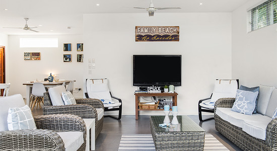 Family Beach House, 31 Tweed St image